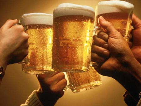 [Image: beer-cheers-toasting.jpg]