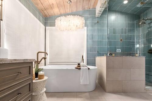 3 Tips for a Beachy Modern Bathroom Renovation