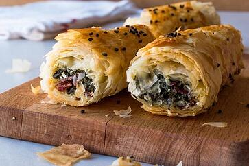 Turkish Pastry With Spiced Beef and Pistachios (Borek)