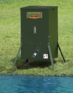 texas_hunter_fish_feeder_by_water.jpg