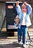girl with sweeney fish feeder