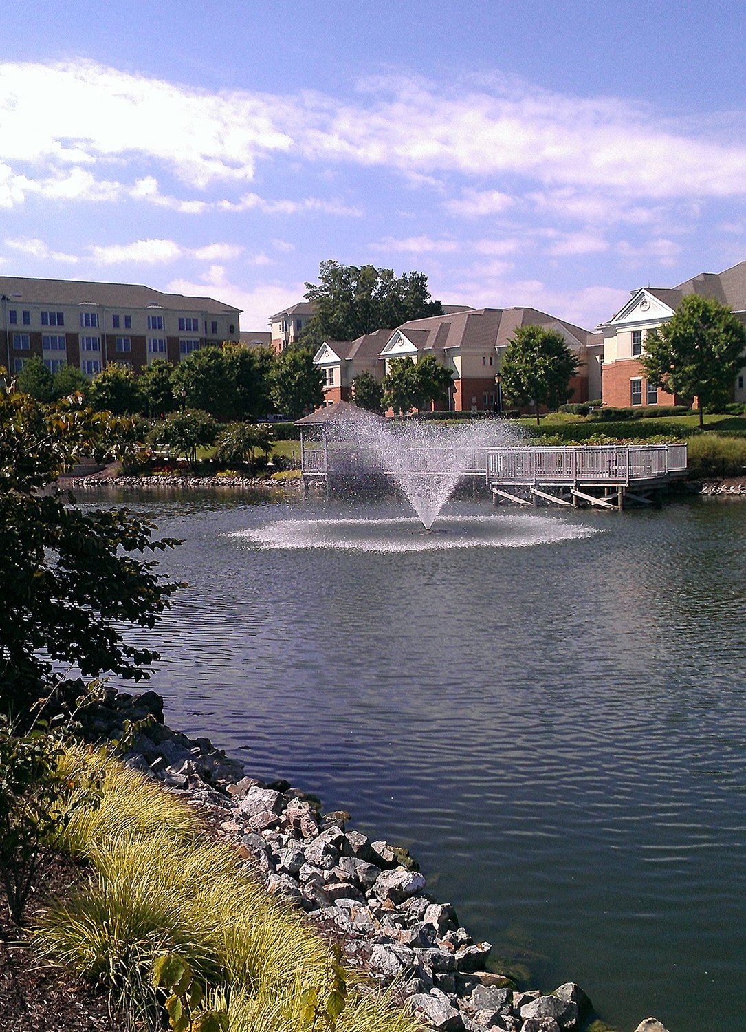 community_pond_with_fountain