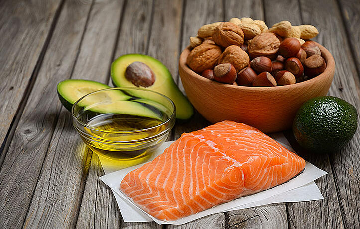 How Many Grams of Fat Per Day to Lose Weight?