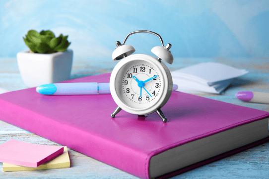 Shift Work and Daylight Saving Time: Payroll Considerations