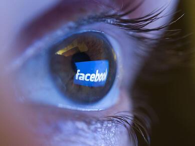 facebook_eye-b2c74fbdc1606dca8a54f0dc5842f0ec079464db-s40