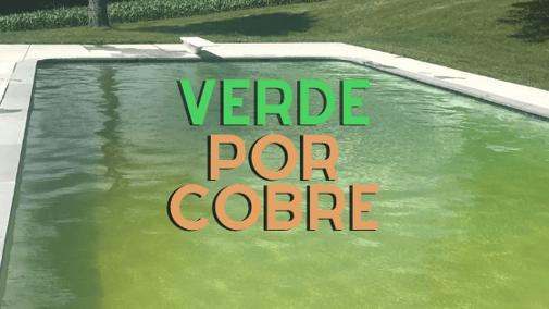 El agua con cobre se puso verde después de un choque de cloro