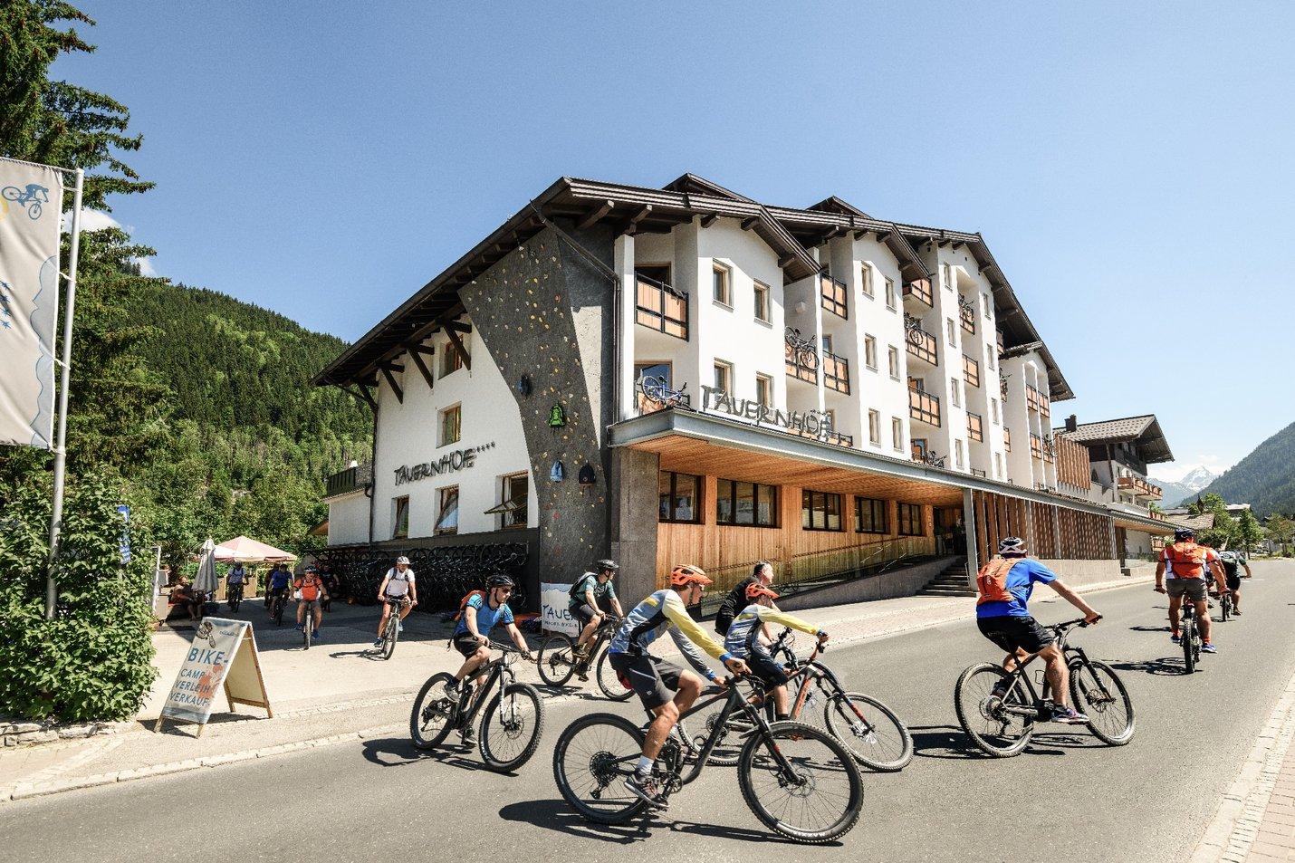 Tauernhof_Flachau_Mountainbikehotel Fassade in Salzburg