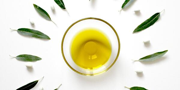 olive oil and olive oil leaves