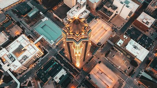 downtown-des-moines-aerial-view