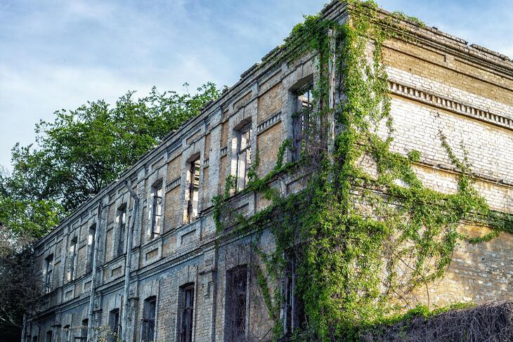 Vacant buildings: obstacle or opportunity?