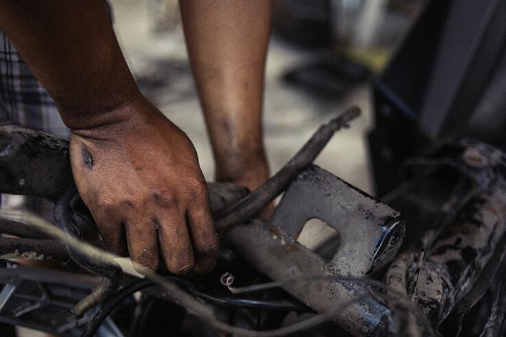 A day in the life of a contract mechanic