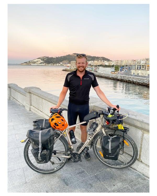 Oskar cyklade från Malmö tillAfrika mitt under pandemin