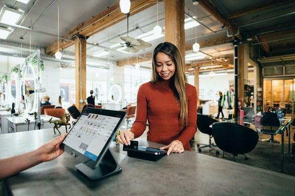 Det nye normale kræver nye tiltag for B2B-kundeoplevelsen
