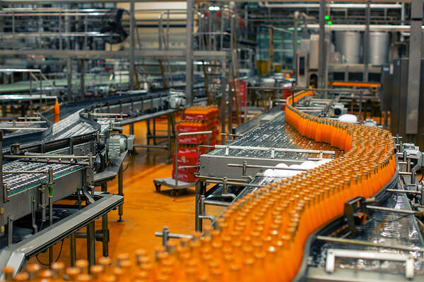 How technology can solve Food & Beverage manufacturers' 4 biggest production challenges