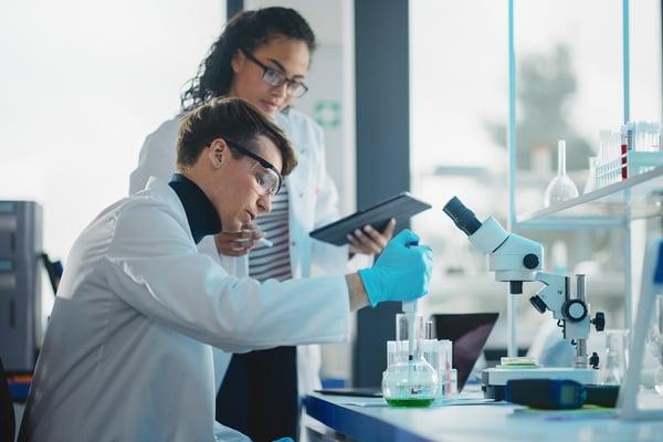 How to leverage AI to improve predictive analytics in Healthcare