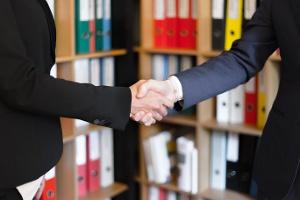 Comment Addev Materials accompagne ses clients dans l'assemblage de matériaux ?