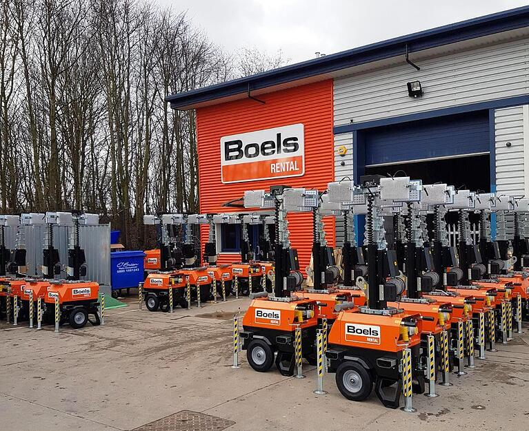Boels lights up COVID-19 testing sites with our X-CHAIN sets