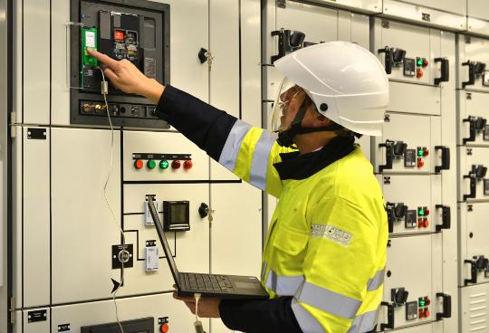 Maintenance du tableau électrique basse tension : pourquoi et comment ?