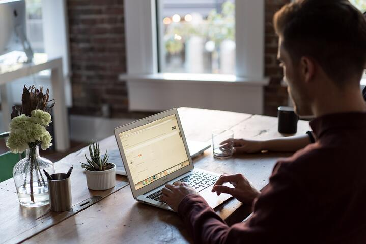 Sourcing for Commercial-Grade Home Office Setups