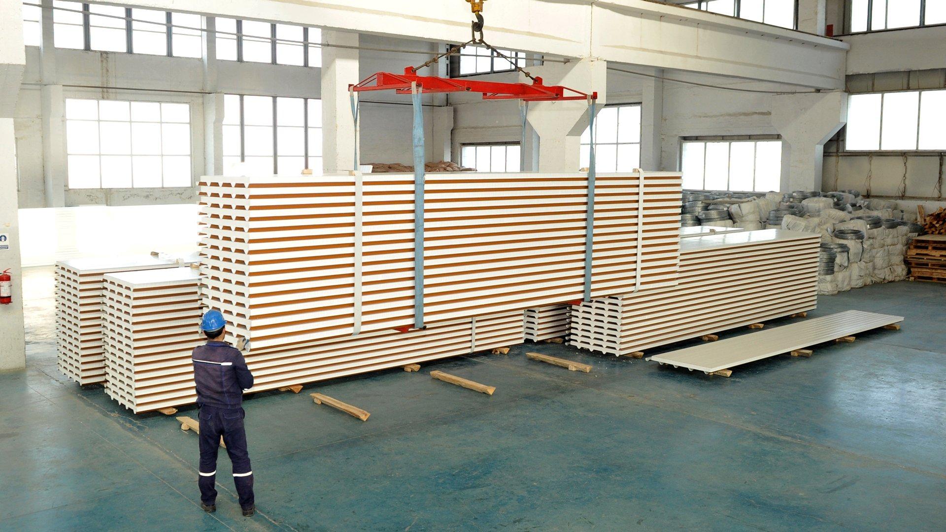 Insulated-Panels---Polyurethane-Adhesives