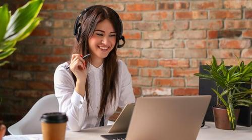 ¿Ya conoces a Camila, nuestra asesora virtual?