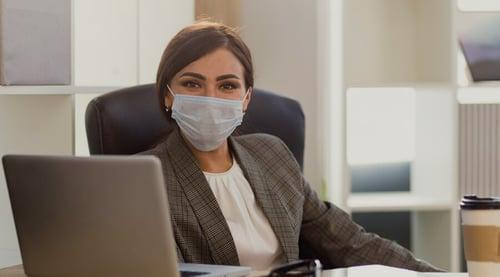¡Si tu oficina o lugar de trabajo es estrecho, dile no al COVID-19!