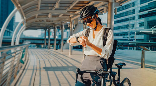 ¡En bicicleta proteges tu salud mientras vas a tu lugar de trabajo!