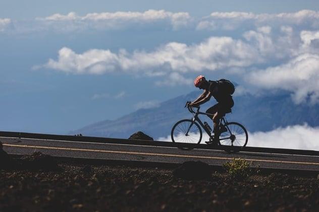 ¡Montar bicicleta te mantiene sano!