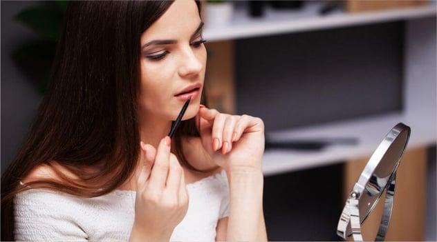 ¡Utiliza maquillaje responsablemente y cuida tu piel!