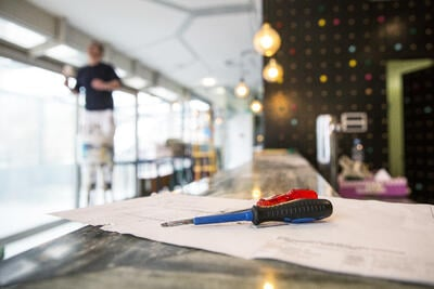 When to DIY vs Hiring a Restaurant Fitout Contractor
