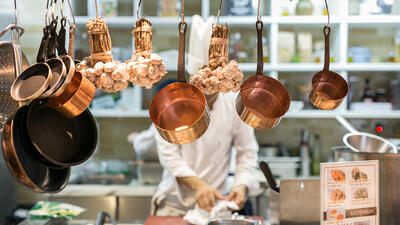 Finding the Best Commercial Restaurant Contractors in the Middle East