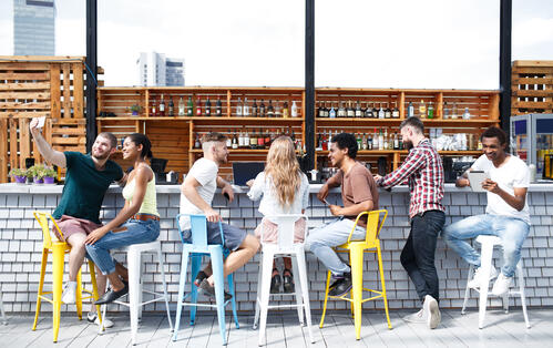The Best Interior Design Tips for Planning a Commercial Bar Layout in Abu Dhabi