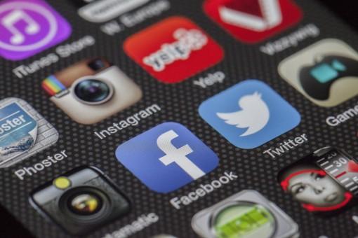 Tilaa on social media