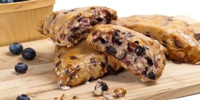 how-to-make-vegan-blueberry-almond-scones