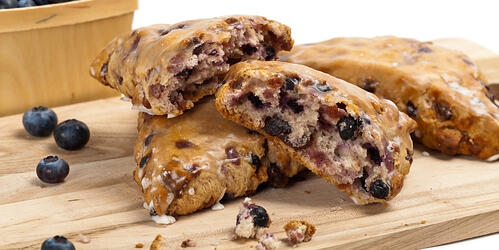 how-to-make-vegan-blueberry-almond-scones