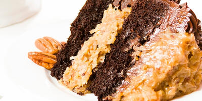 VHow to Make Vegan German Chocolate Pecan Cake