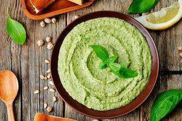 Super-Simple-Homemade-Basil-Hummus