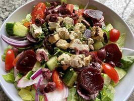GREEK-SALAD-WITH-TOFU-FETA-CHEESE
