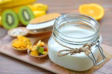 Easy-Dairy-Free-Homemade-Coconut-Yogurt