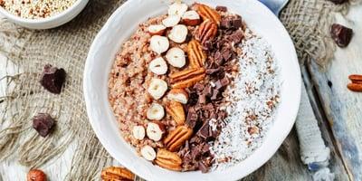 VCinnamon-Maple Quinoa Superfood Breakfast Bowl
