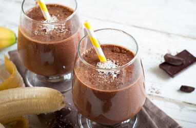 Maca-Superfood-Chocolate-Protein-Smoothie