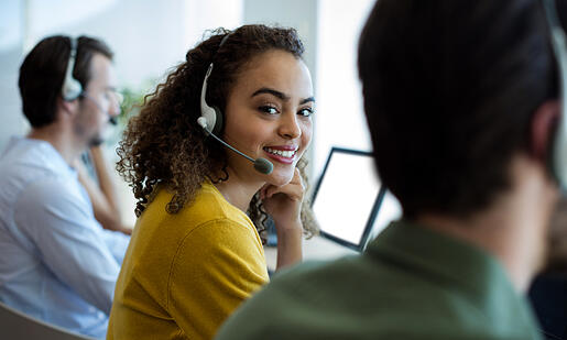 Virtual Receptionist vs Virtual Assistant – Which Is Best for My Business?