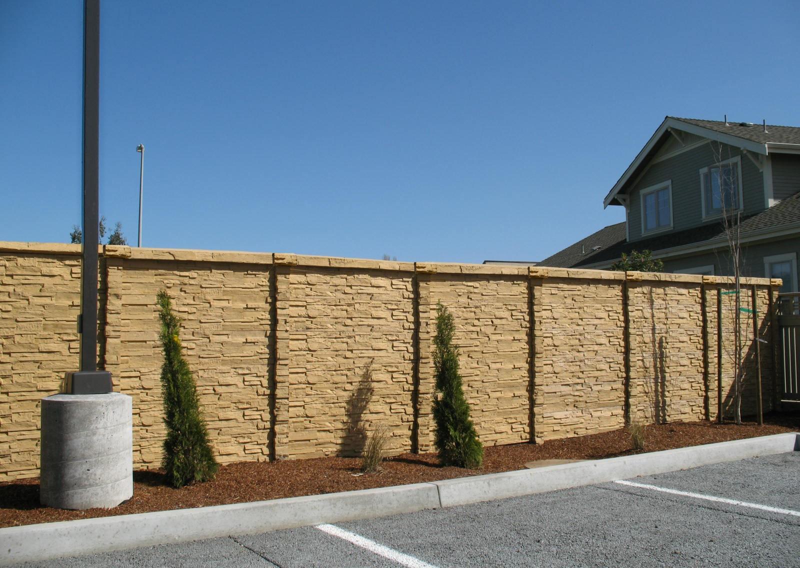 ChiselStone Concrete Fence