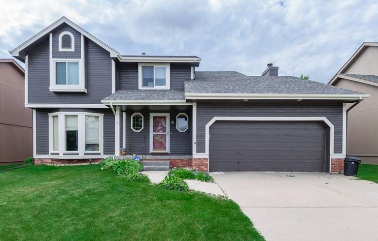 Best Exterior Paint Color Combinations in Omaha, NE