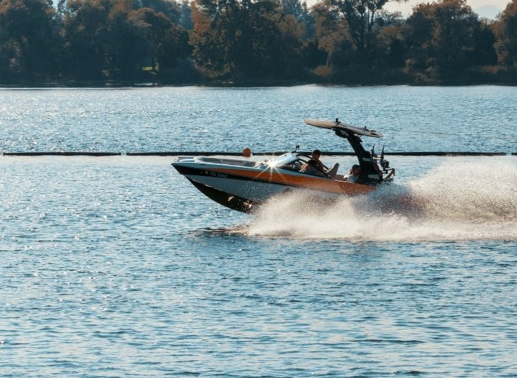 About to buy a boat? Check the Boat History Report to avoid bad surprise