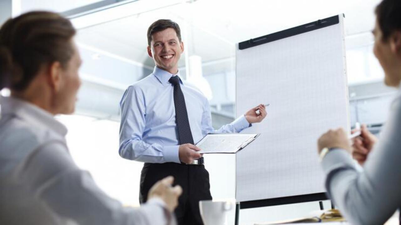 sales-techniques-smiling-man