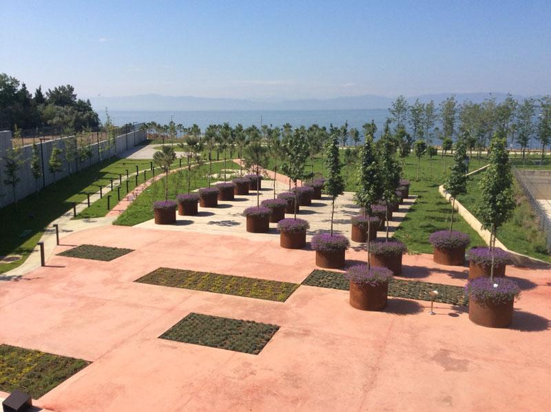piri reis üniversitesi-eğitim yapıları-saksı ve bitkisel peyzaj uygulamaları