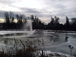 Fountain_through_ice_3HP_Otterbine_PhillyPA_02.15_GavinF_e.jpg