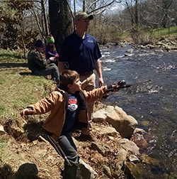 Graves_Mountain_Dave__Kid_Fishing_by_River_04.2015_Dave_B_2_de
