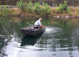 Jeremy-moving-Aquamaster-Diffuser-at-Dick-Raines_ArlingtonVA_AaronC_11-1.jpg